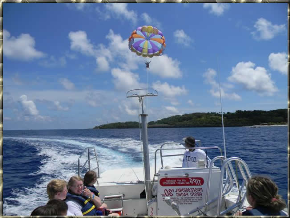 Explore Roatan and Parasailing